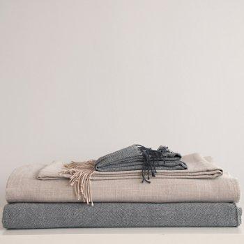ELLIOT Blanket/Throw