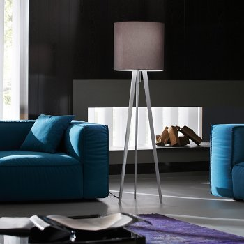 Dreibein Floor Lamp