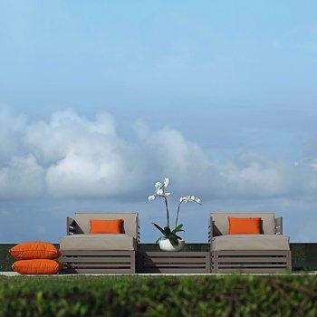 Yuyup Lounge Chair