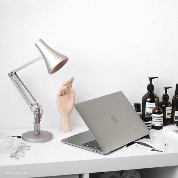 90 Mini Mini LED Desk Lamp
