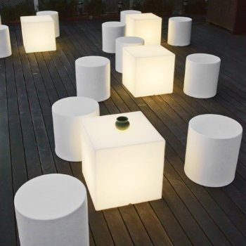 Kubbia Moderna XL LED Cube - Wireless, in use
