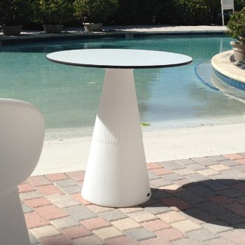 Provence Ronda LED Table, in use