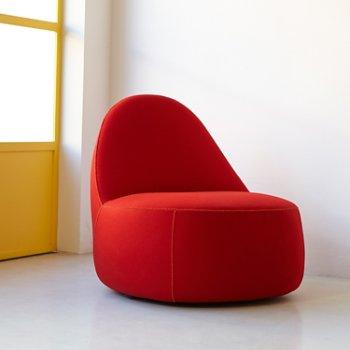 Shown in Focus: Crimson color, in use