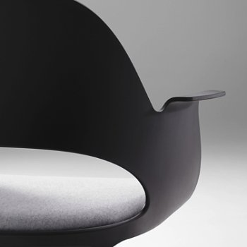 Shown in Black with Essential Leather / Quartz, Detail view