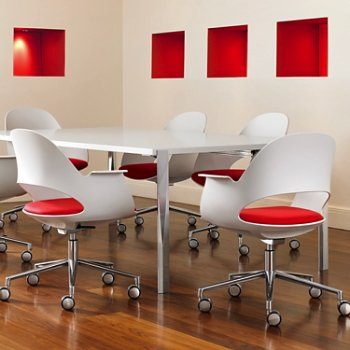 Shown in Mist / Polished Aluminum with Focus / Poppy upholstered seat, in use