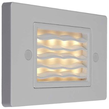 Ledra Horizontal Wave Step Light