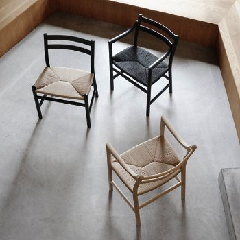 CH46 Armchair with CH47 Side Chair