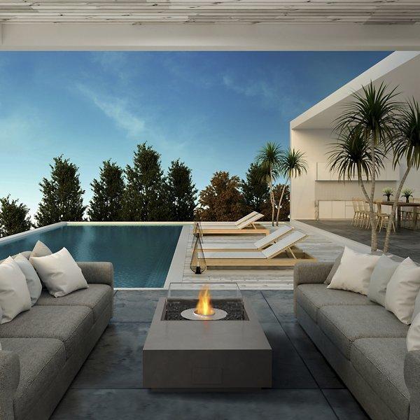 Manhattan 50 Fire Table