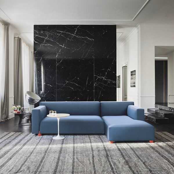 Saarinen Round Side Table