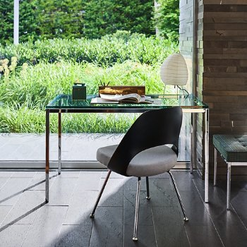 Shown with Saarinen Executive Chair with Plastic Back, in use