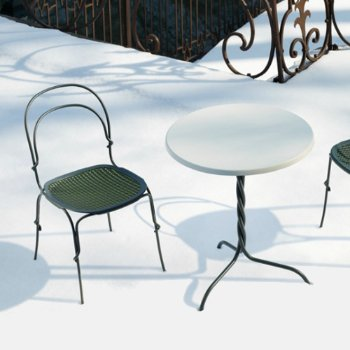Shown with Vigna Outdoor Table