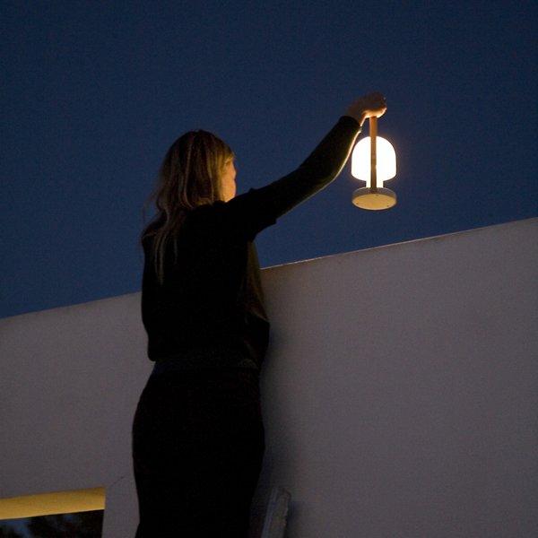 FollowMe Portable Table Lamp