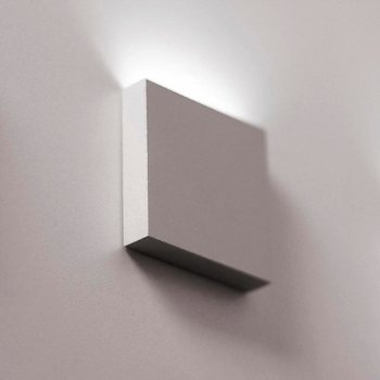 Q 1-Light Semi-Recessed Step Light
