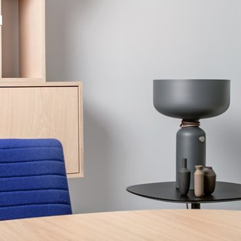 Spotlight Volumes D Series Table Lamp, in use