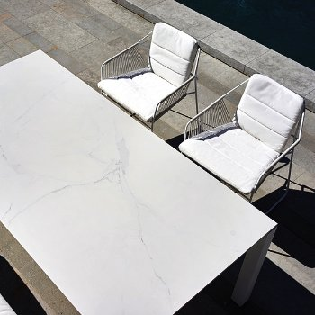 Shown in Natural Canvas, White Rope/White Powder-Coated Aluminum