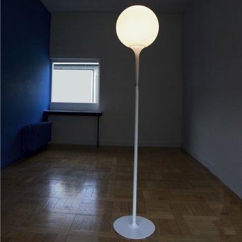 Castore Floor Lamp, in use