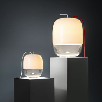 Shown in White pictured with Gong T3 Table Lamp