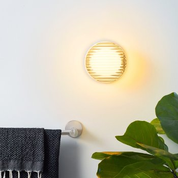 Crisp LED Indoor/Outdoor Ceiling/Wall Light, in use