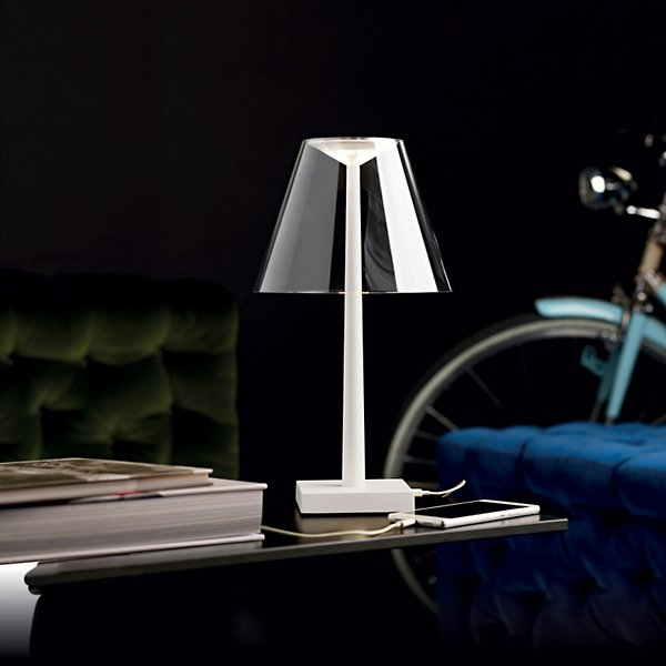 Dina Plus LED Rechargeable Table Lamp