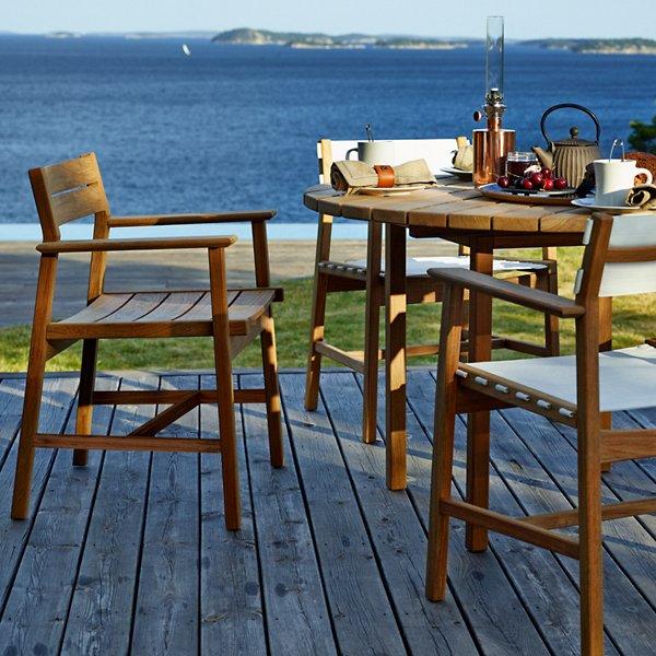 Djuro Round Dining Table