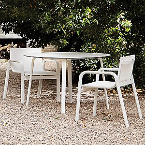Stack Round Dining Table by Gandia Blasco