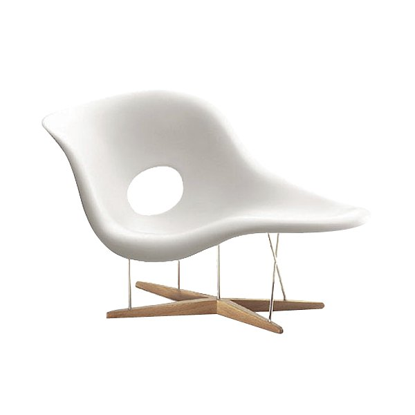 chaise lounge in the shape of an eye