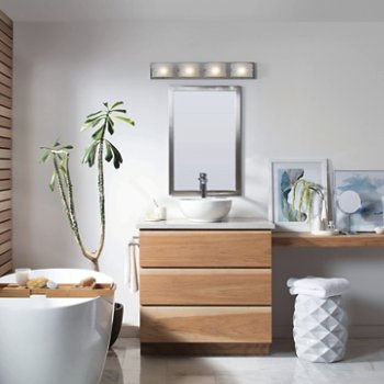Daphne Bath Bar, in use