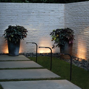 Nexus LED Swivel Landscape Light, in use