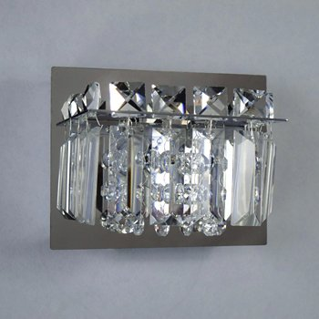 Shown in Polished Chrome finish, Crystal glass, in use