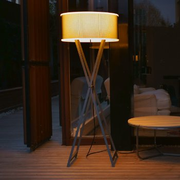 Cala 140 Outdoor Floor Lamp, in use