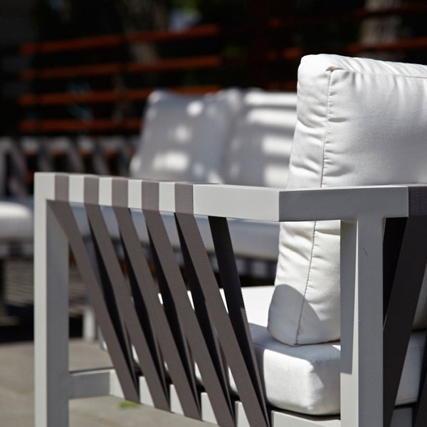 Jibe Outdoor Lounge Chair