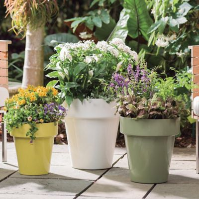 Outdoor Living Best Bets: 10 Home Accessories to Help You Spring into Spring